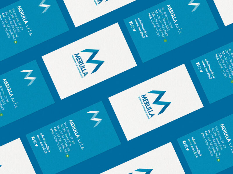 Business card isometric su sfondo blu