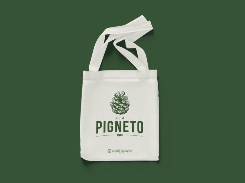 Shopper mockup con logo verde su sfondo verde scuro